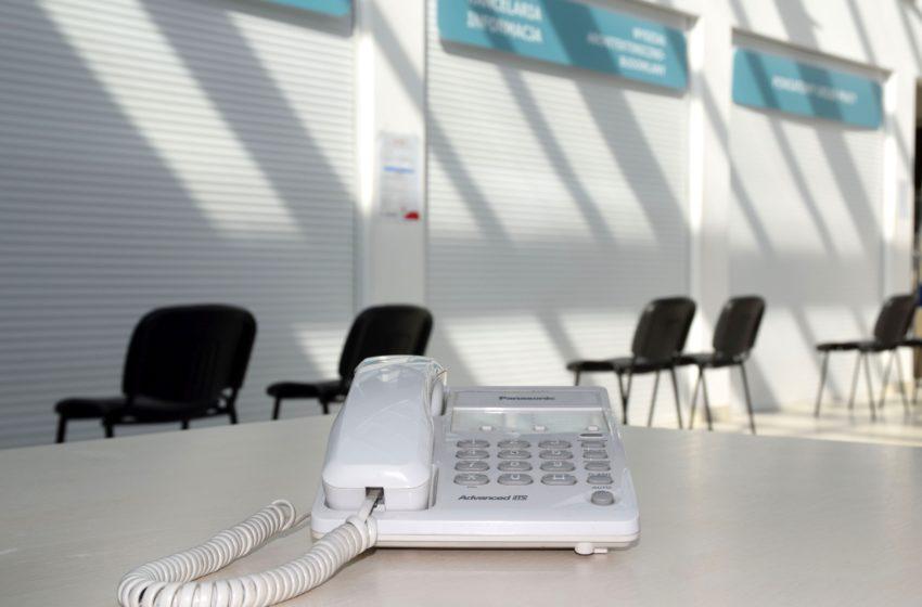 telefon w sali obsługi